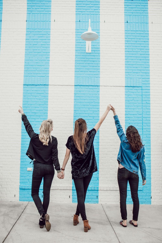 Идеи фотографий с подругами