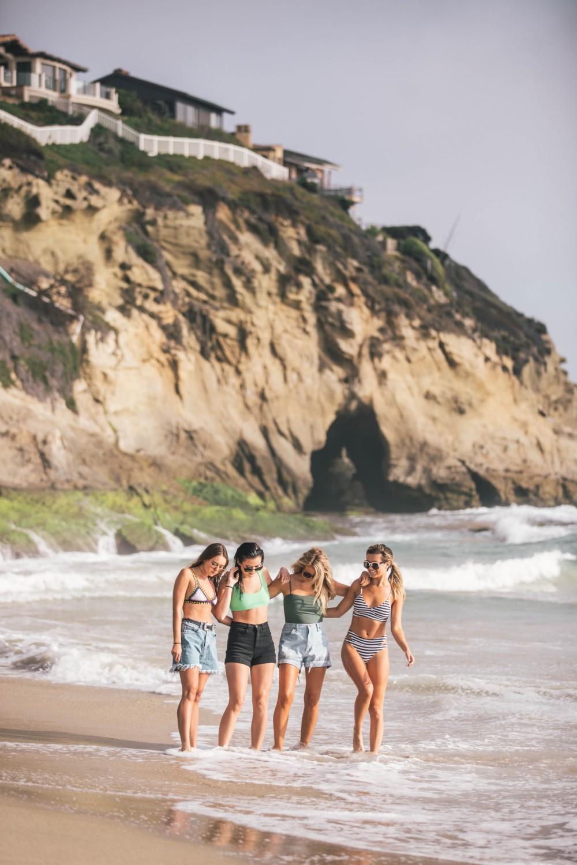 Идеи фотографий с подругами на море